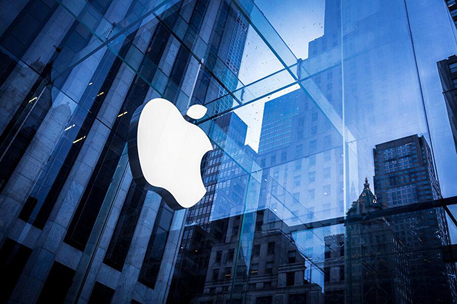 Apple'ın AirPods konusundaki tavrı, kablosuz kulaklığın şirket için 'en prestijli' ürünlerden biri olduğu yönünde. Şirket, bu konumu korumaya çalışıyor.