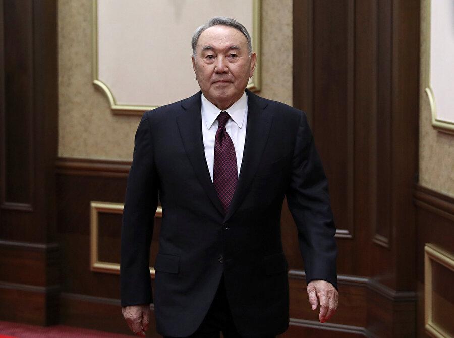 Nursultan Nazarbayev görevini 30 yıldır sürdürüyordu.