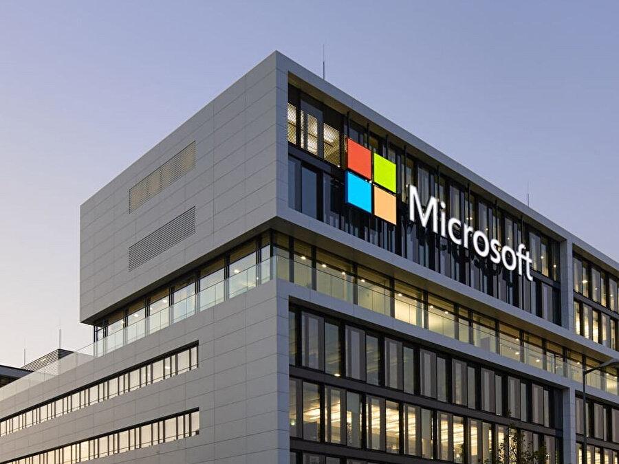 Bill Gates, Microsoft kurucusu olarak kazandığı servete Microsoft'tan bağımsız eklemeler de yapıyor. Tecrübeli iş insanının serveti Microsoft dışında da büyüme gösteriyor.