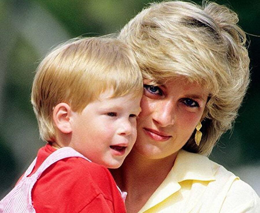 Prenses Diana ve Harry.