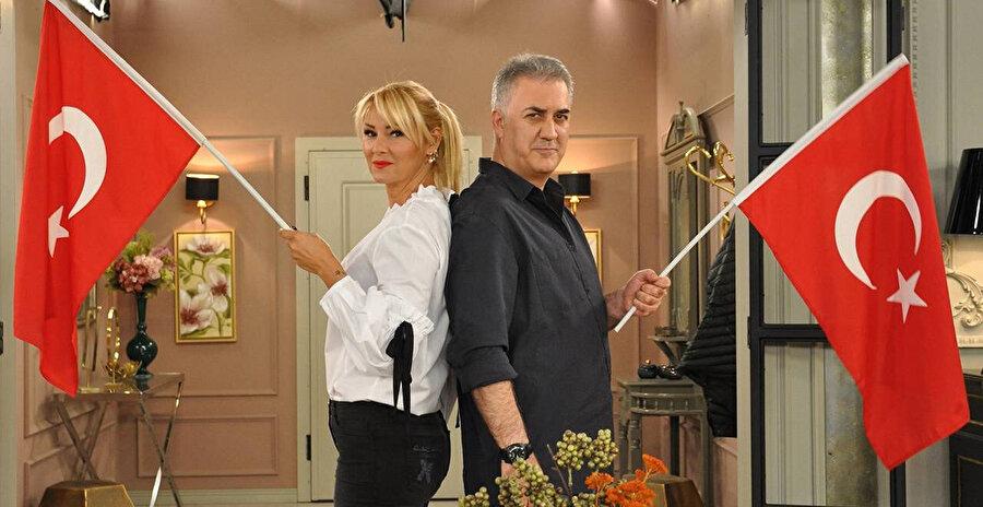 Çocuklar Duymasın dizisinde Tamer Karadağlı ve Pınar Altuğ 2000 yıllardan beri beraber oynuyor.