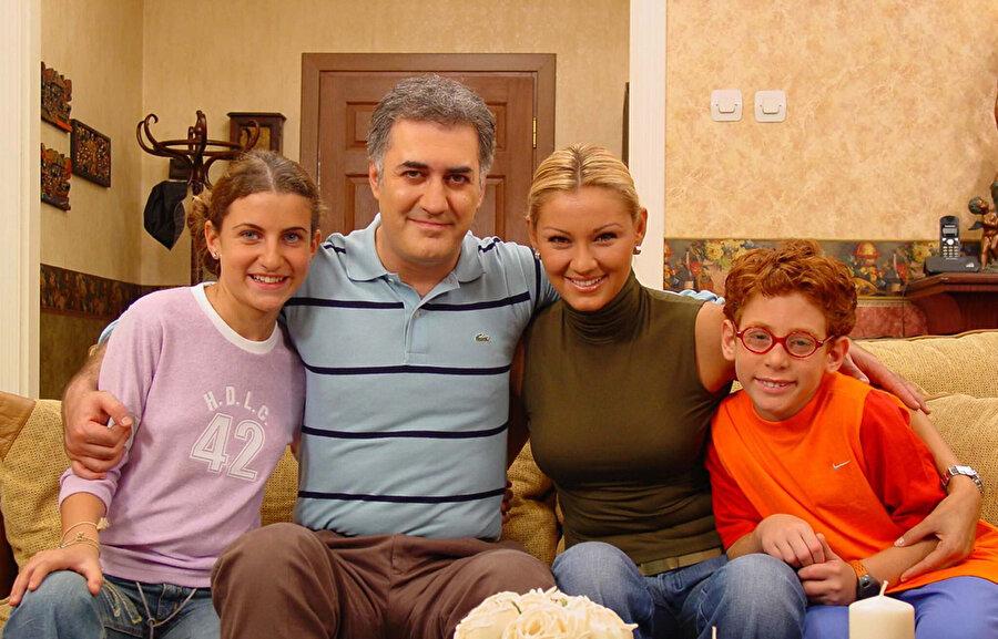 Çocuklar Duymasın 2002 yılından bir kare.
