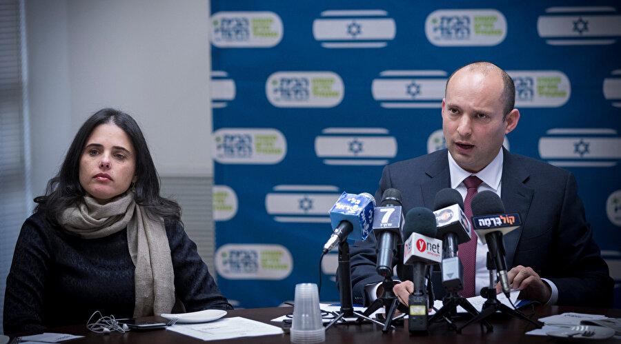 Ayelet Şaked (solda), işgale karşı direnişçi çocuklar doğurdukları için Filistinli kadınların da öldürülmesi gerektiğini savunuyor.