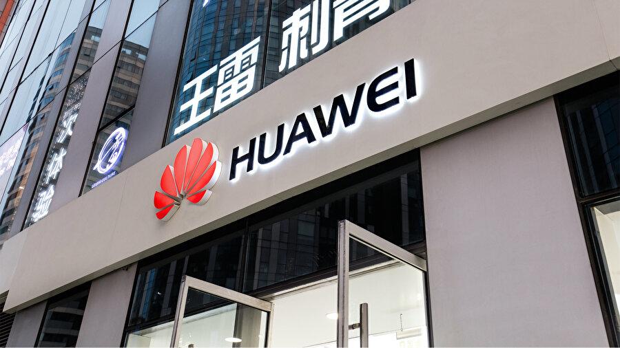 Huawei ve Apple arasındaki rekabet, son yılların en büyük 'şirket gerginliği' olarak yorumlanıyor.