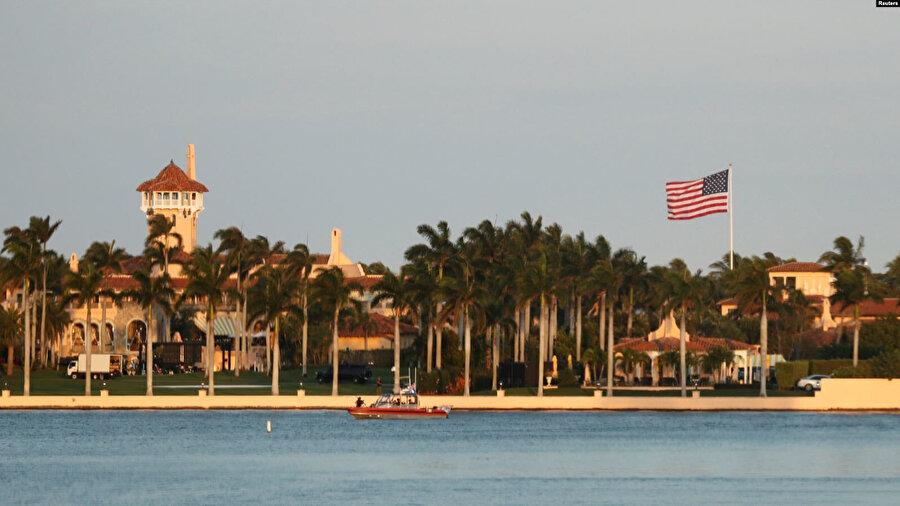 Trump cumartesi gününü Florida'daki yazlığı Mar-a-Lago'da geçirdi.