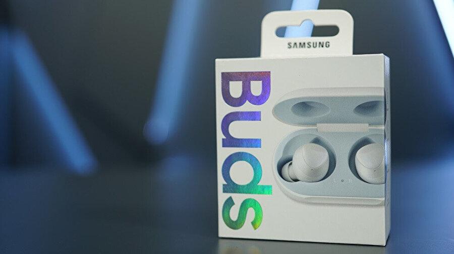 Samsung Galaxy Buds'ın kutusunun ön yüzü bu şekilde.