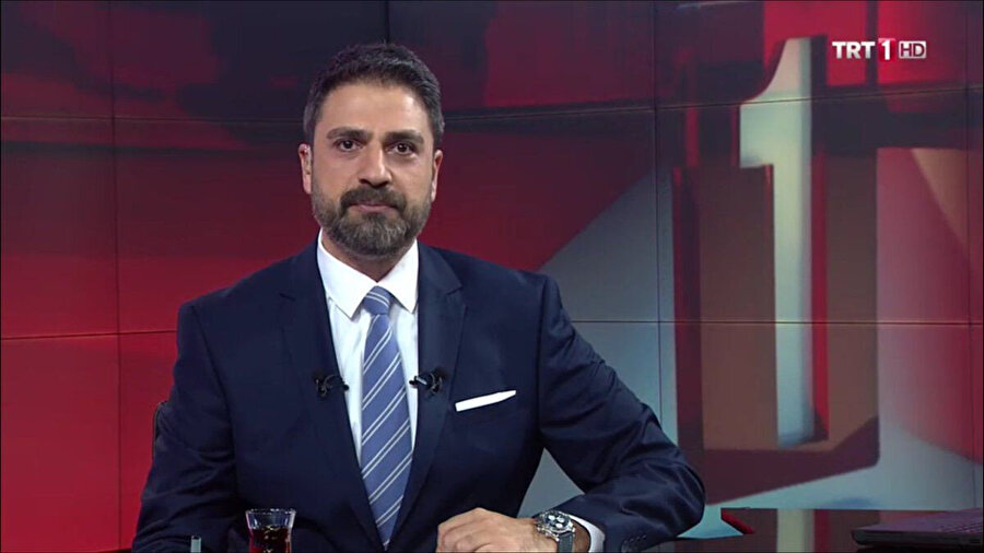 Erhan Çelik bir dönem TRT 1 ana haber sunuculuğu yaptı.