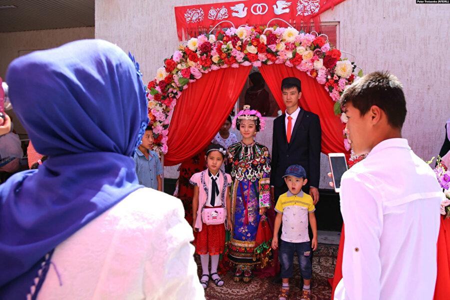 Kırgızistan'daki Dunganların düğün töreninden.