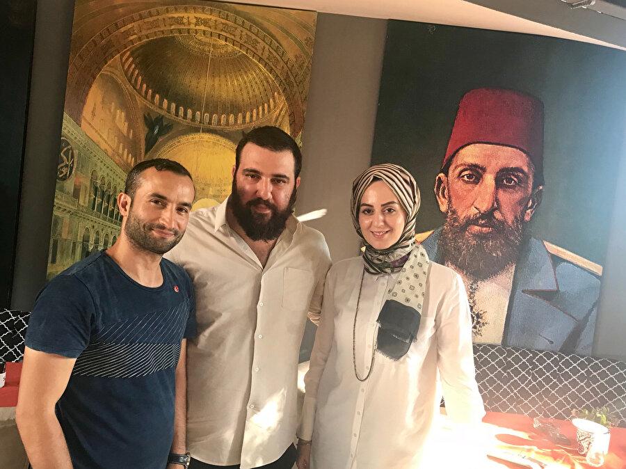 Abdülhamid 'in torunları, Kayıhan Osmanoğlu ve Nilhan Osmanoğlu.