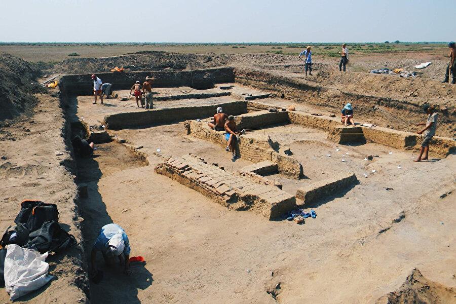 Rusya'nın Astrahan şehrinde bulunan Hazar İmparatorluğu'nun başkenti İtil şehrinin kalıntıları.