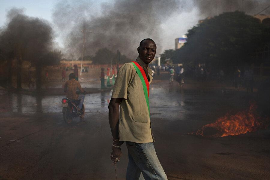 Burkina Faso, sık sık etnik çatışmalara ve şiddetli protestolara sahne oluyor.