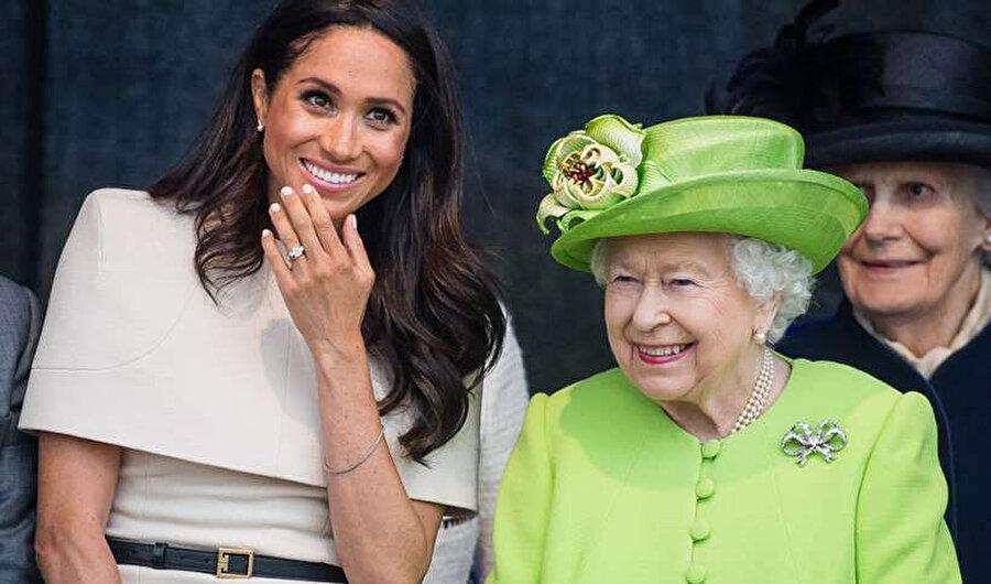 Kraliçe ve Meghan birlikte bir ziyaret gerçekleştirmişlerdi.