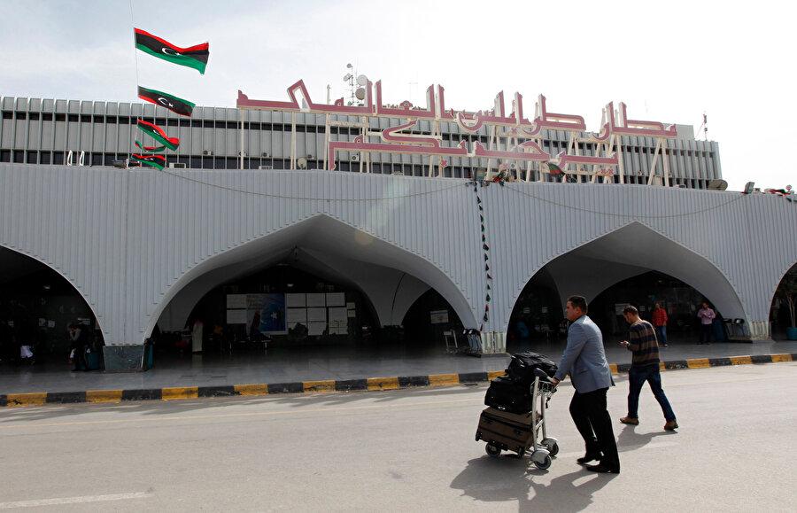 Şiddetli çatışmalara sahne olan Uluslararası Trablus Havalimanı.