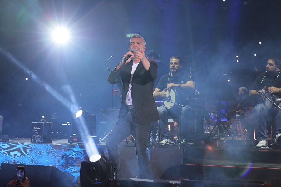 Özcan Deniz'in bu konserden yaklaşık 1 milyon lira kazandığı söyleniyor.