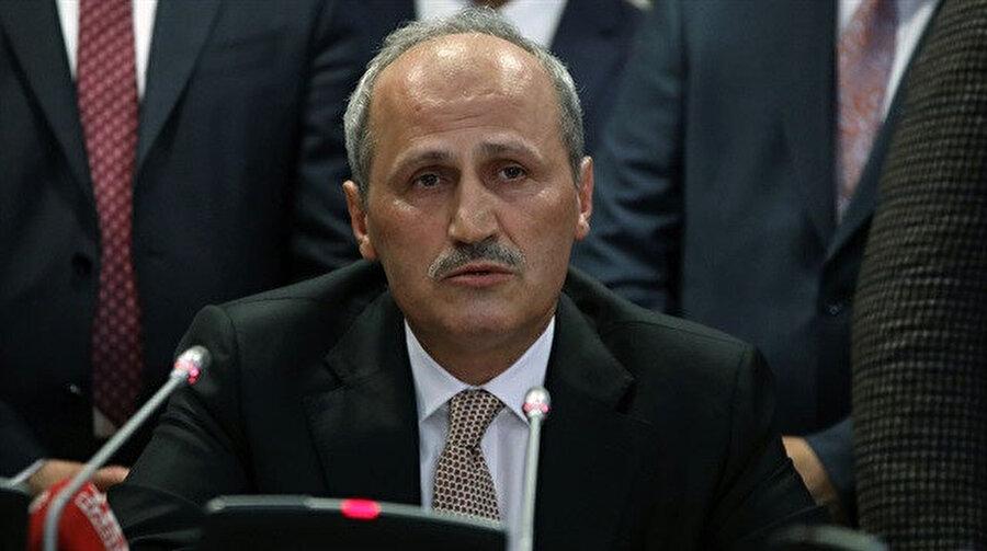 Ulaştırma ve Altyapı Bakanı Cahit Turhan.