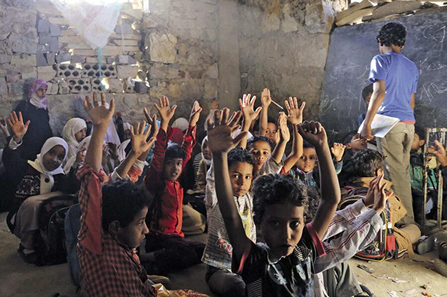 Yemen'deki okulların fiziki şartları salgın hastalıklara davetiye çıkarıyor.