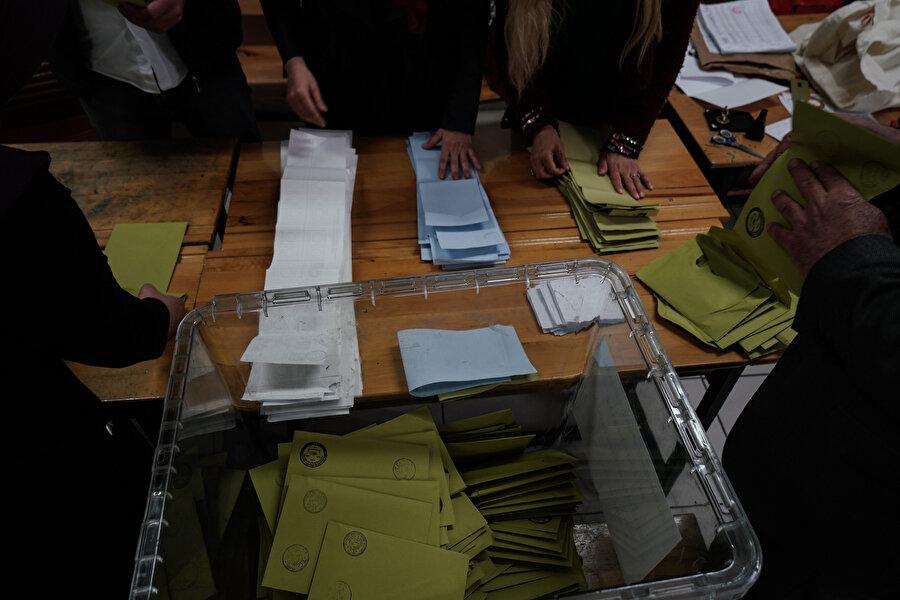 Seçimlerin iptal edildiği yerlerde vatandaş, 2 Haziran'da tekrar sandığa gidecek.