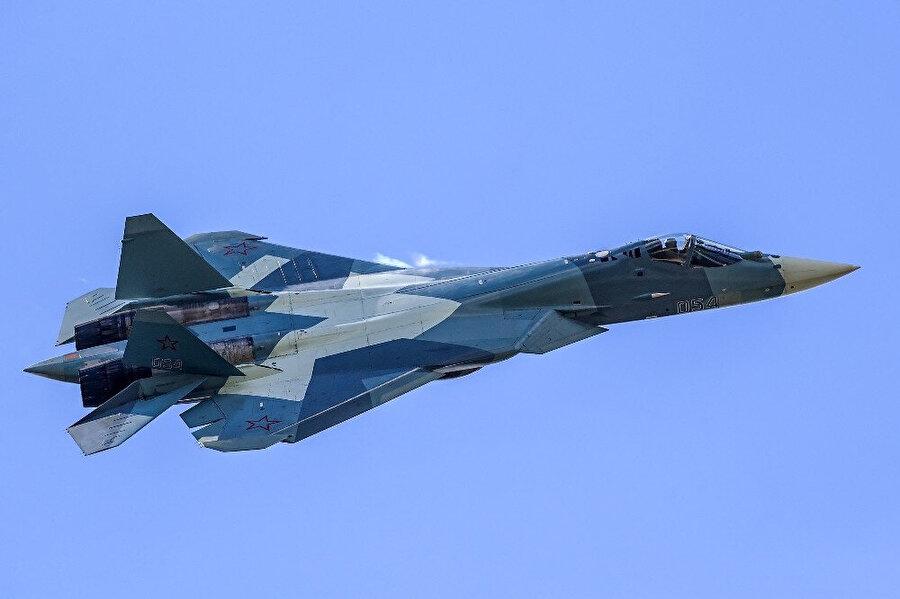 Su-57'nin bu yıl Rusya'nın envanterine girmesi bekleniyor.