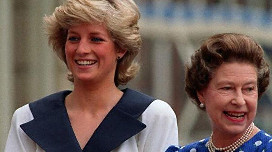 Prenses Diana ve Kraliçe.