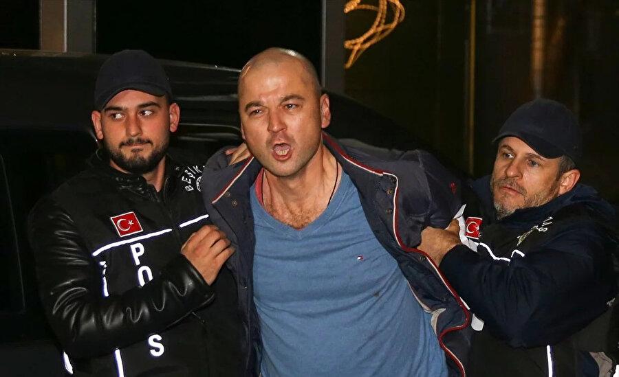 Murat Özdemir papağana yaptığı işkence sonrası gözaltına alınmıştı.