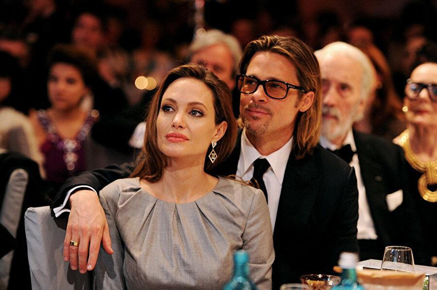 Mr. And Mrs. Smith filminde başrolleri paylaş Jolie ve Pitt, sette birbirlerine aşık olmuş, sekiz yıllık birlikteliğin ardından 2014'te evlenmişti. Ancak çift sadece iki yıl evli kalabildi.