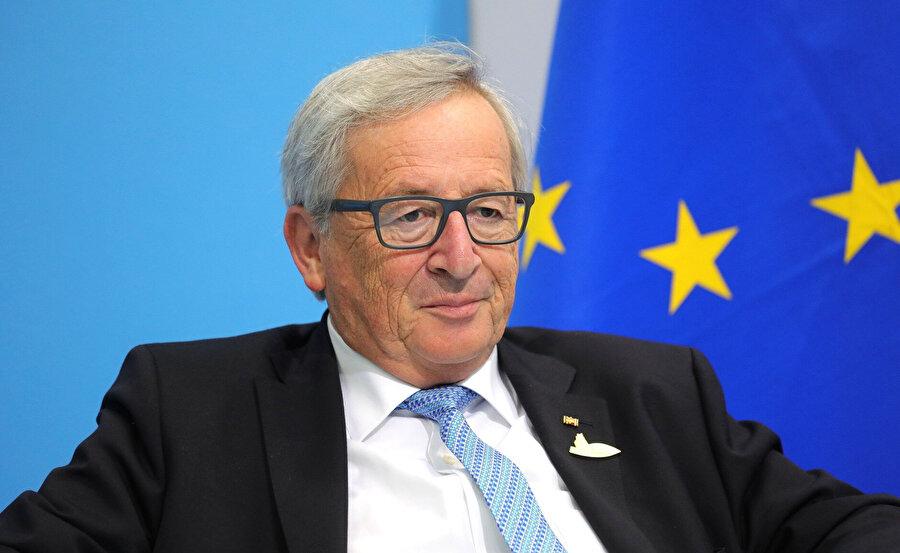 Avrupa Komisyonu Başkanı Jean Claude Juncker, telif sürecinin birebir takipçisi konumunda yer alıyor.
