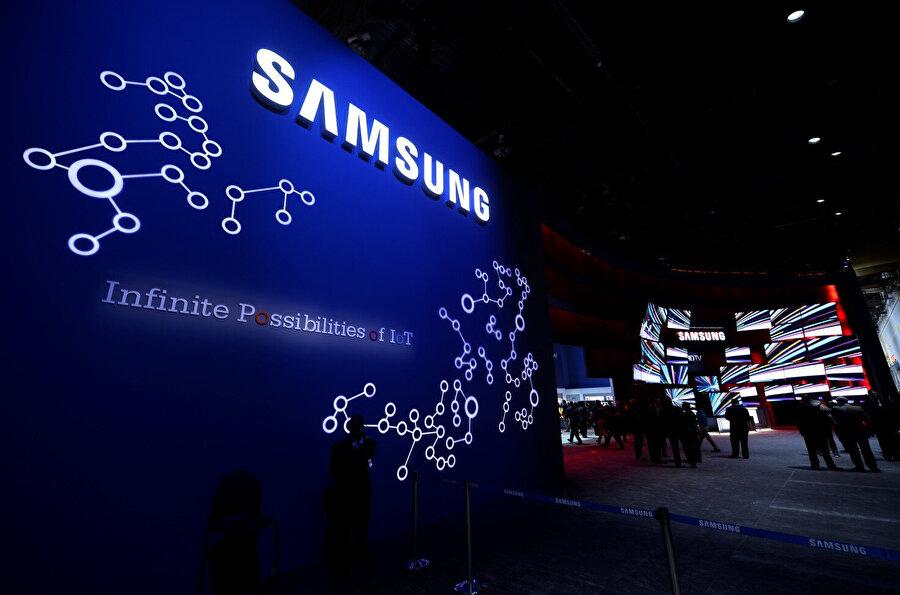 Samsung, 'katlanabilir akıllı telefon' yeniliğinden oldukça ümitli durumda… n