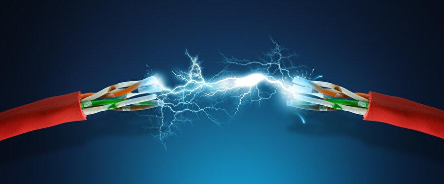 Elektrik enerjisi, farklı yöntem ve doğal kaynaklarla uzun süredir üretiliyor.