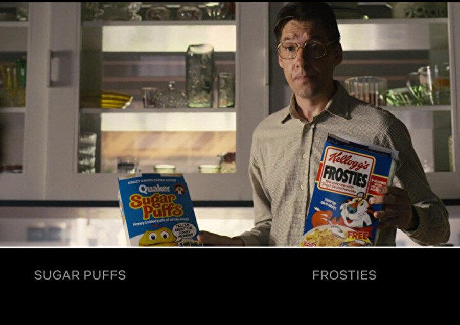 İnteraktif filmler, tıpkı bu örnekte olduğu gibi hikayeyle alakası olmadığı halde bizden seçmemizi istediği 2 farklı mısır gevreği örneğinde olduğu gibi basit gözüken fakat tüketim alışkanlıklarımızı belirleyebilecek detayların belirlenmesini sağlıyor.