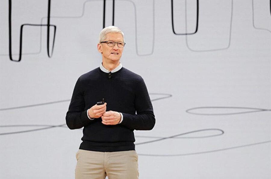 Apple CEO'su Tim Cook'un dava için özel bir avukat ordusu görevlendirdiği iddia ediliyor.