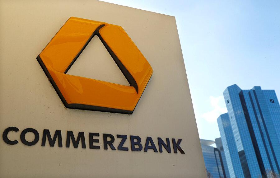 Birleşme haberlerinin etkisiyle Commerzbank hisseleri yüzde 1.37 düşmüştü.