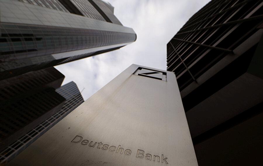 Almanya'nın en büyük bankası olan Deutsche Bank'ın binası.