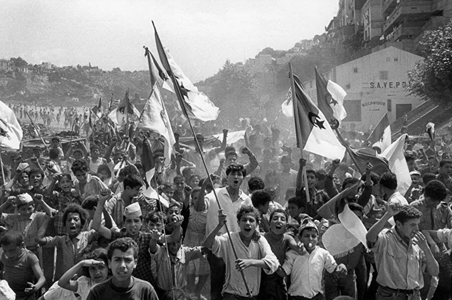 Cezayir Bağımsızlık savaşı 1954 yılında patlak verdi.