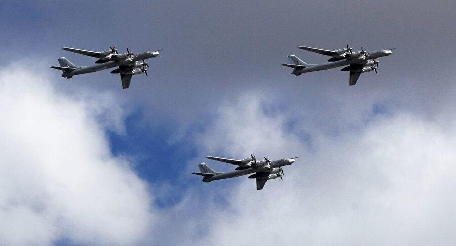 Rus savaş uçakları.