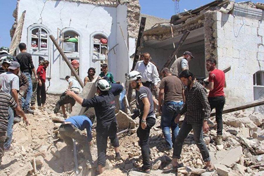 Rejim saldırıları İdlib ve Hama kentlerinde yoğunlaşıyor.