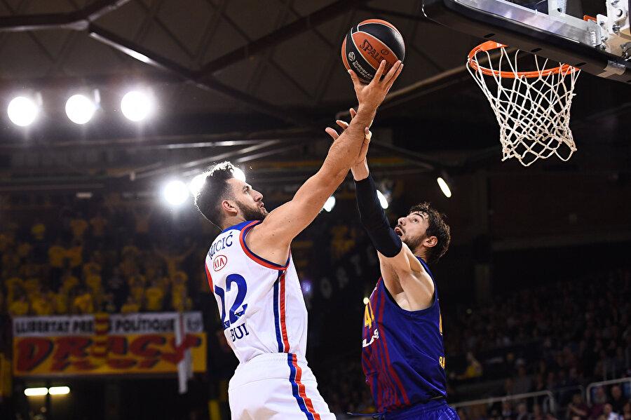 Basketbolda serinin son maçı Sinan Erdem'de oynanacak.