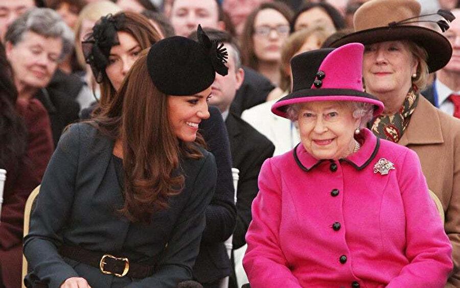 Kraliçe ve Kate Middleton oldukça iyi anlaşıyor.