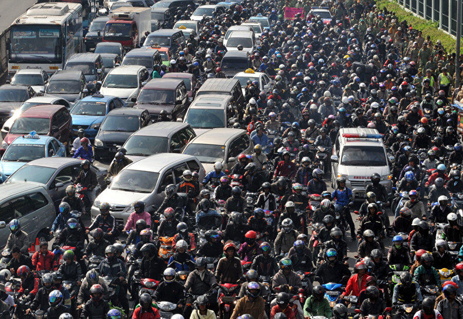 Trafik yoğunluğunun Jakarta'ya yıllık maliyeti 6,8 milyar dolar civarında.