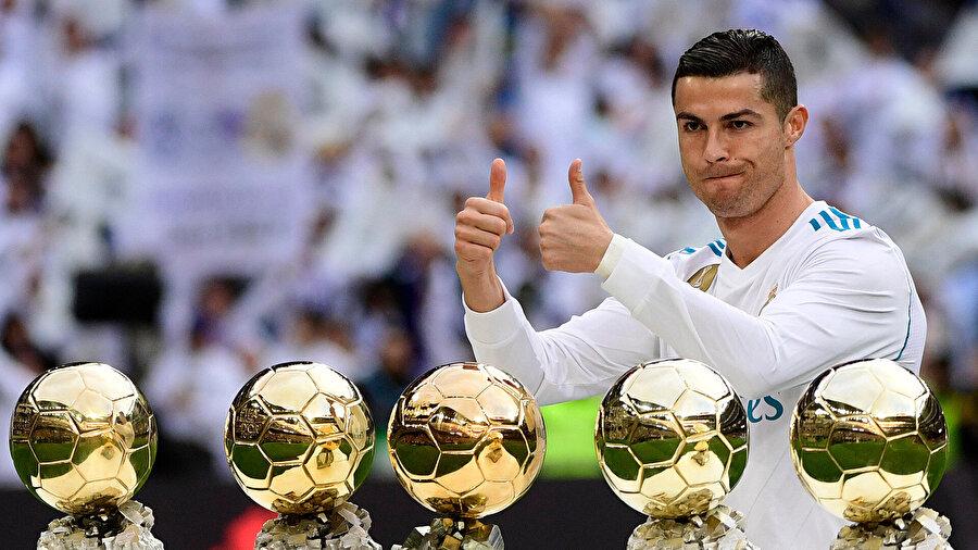 Portekizli futbolcu tam 5 kez Altın Top ödülünü kazanmayı başardı.