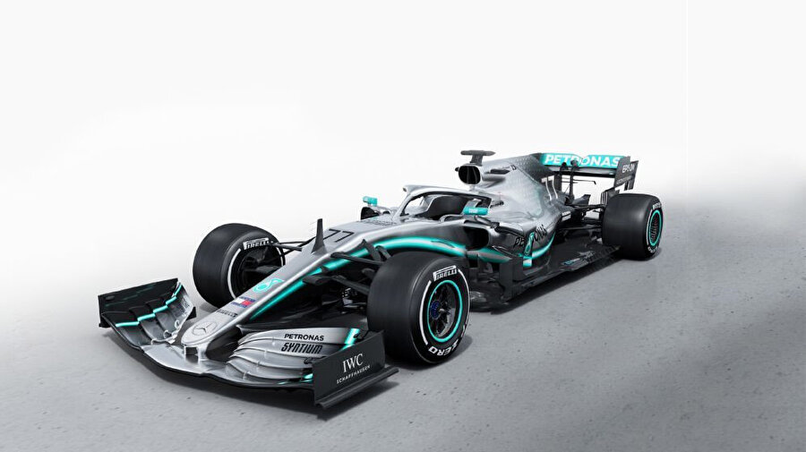 Mercedes / 2019