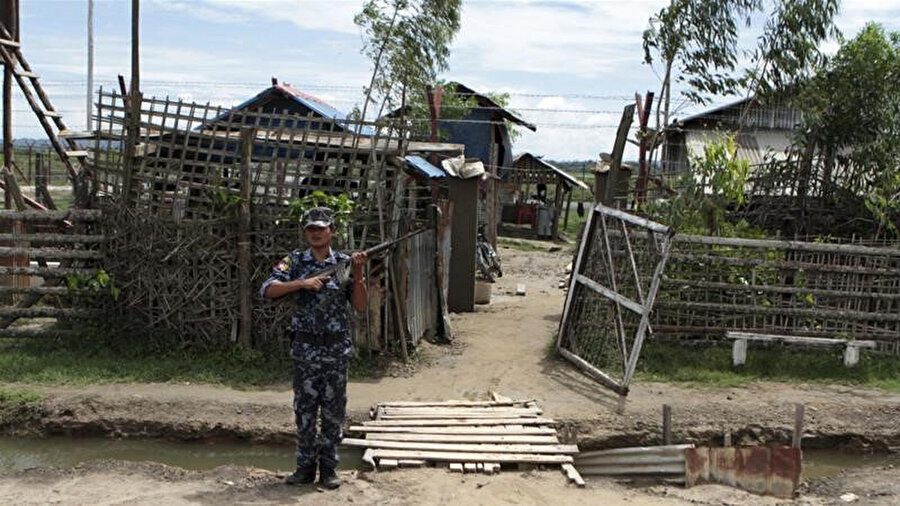 Son zamanlarda Myanmar askerleri ile Arakan ordusu arasındaki çatışmalarda siviller arada kalıyor.