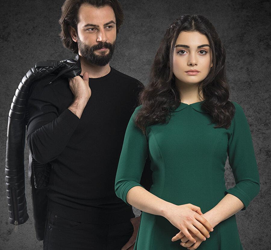 Yemin dizisi başrol oyuncuları Gökberk Demirci, Özge Yağız.