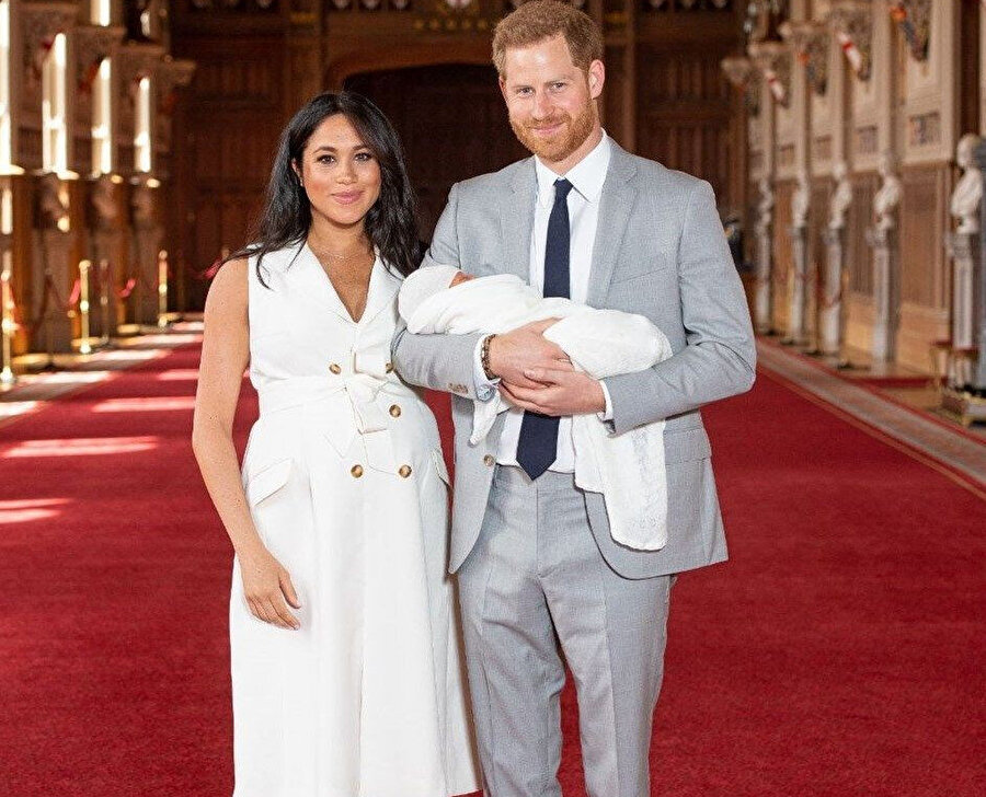 Meghan Markle ve Prens Harry dün basın karşısına çıktı.