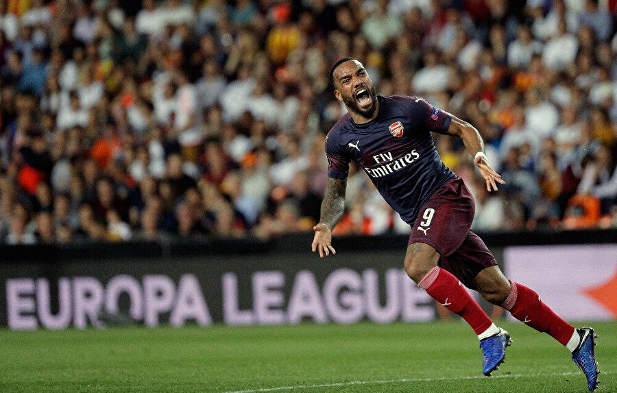 Fransız golcü Lacazette dün oynanan maçta harika bir gol kaydetti.