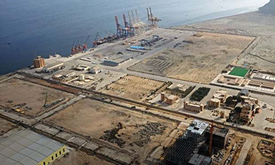 Çinli bir şirket tarafından yürütülen Gvadar liman projesi.