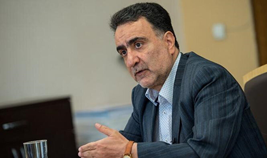 İranlı reformist siyasetçi Mustafa Taczade.