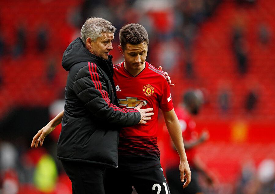 Manchester United dün resmen Herrera ile yolların ayrılacağını duyurdu.