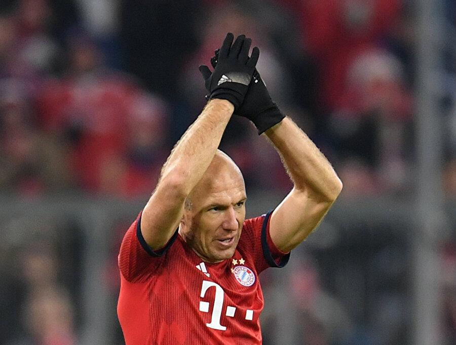 Robben, Bavyera ekibinde 10 sezondur forma giyiyordu.