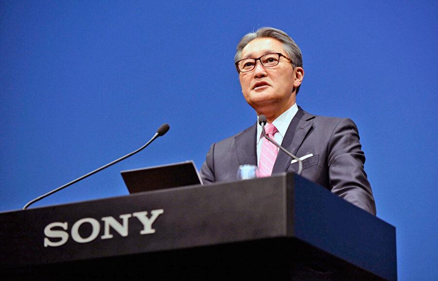 Sony'nin CEO'su Kenichiro Yoshida, Microsoft-Sony ortaklığından ümitli. Ona göre, gelecek, yapay zeka ve oyun konusunda en yetkin durumdaki iki şirketin işbirliğiyle inşa edilecek.