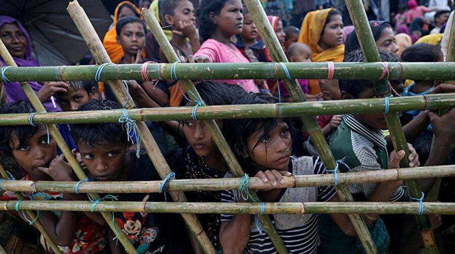 Mülteci kamplarında kalanlar, birçok sorunla aynı anda baş etmek durumunda.